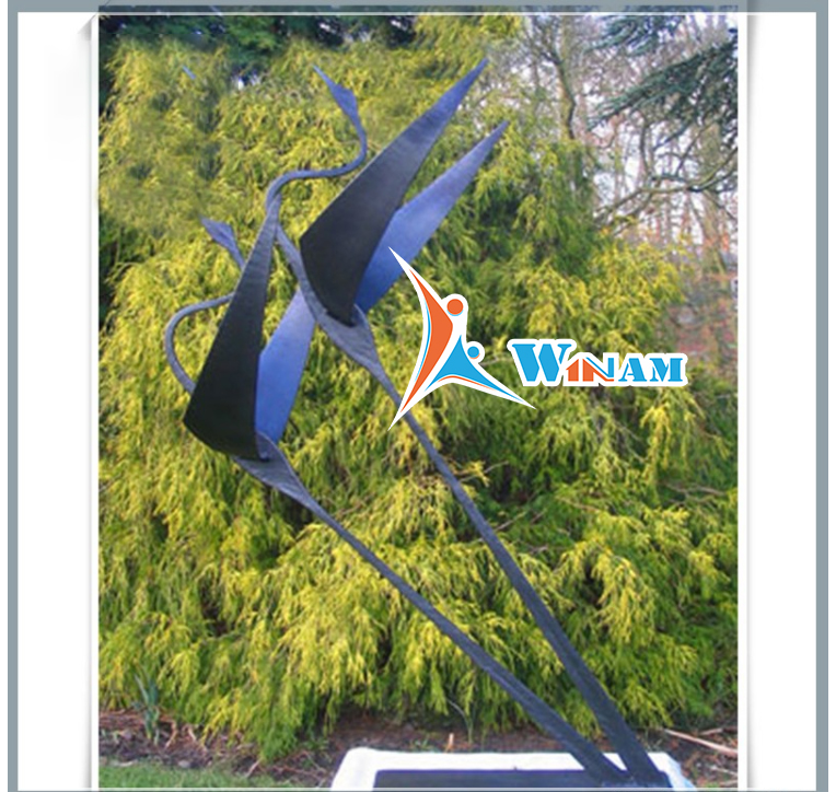 Garden Ornament Large Metal Flying Bird Outdoor Copper Sculpture