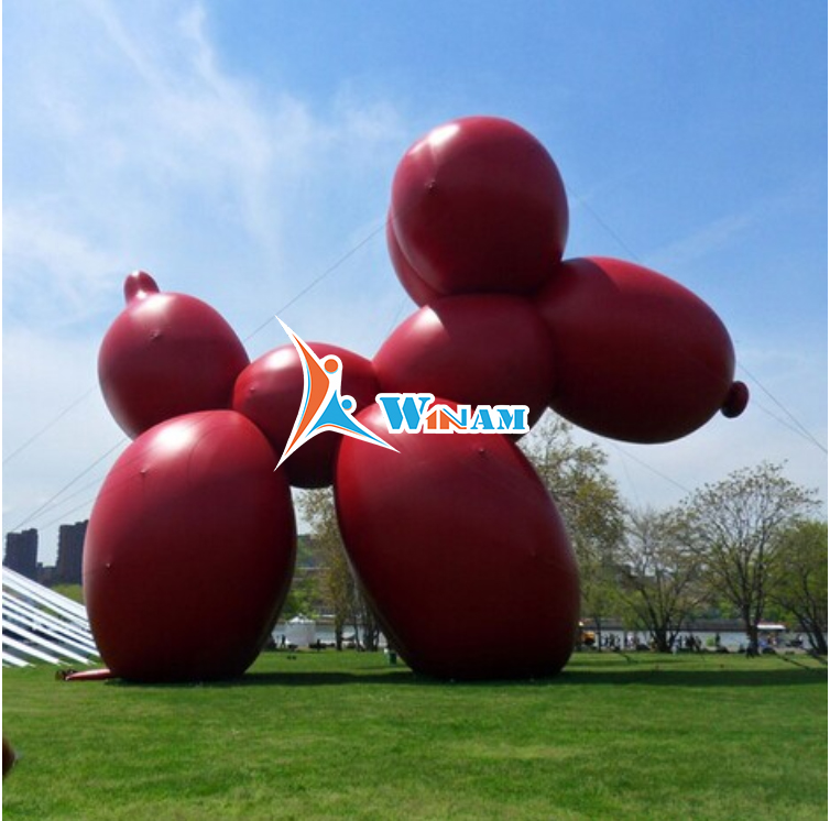 Abstract balloon dog sculpture