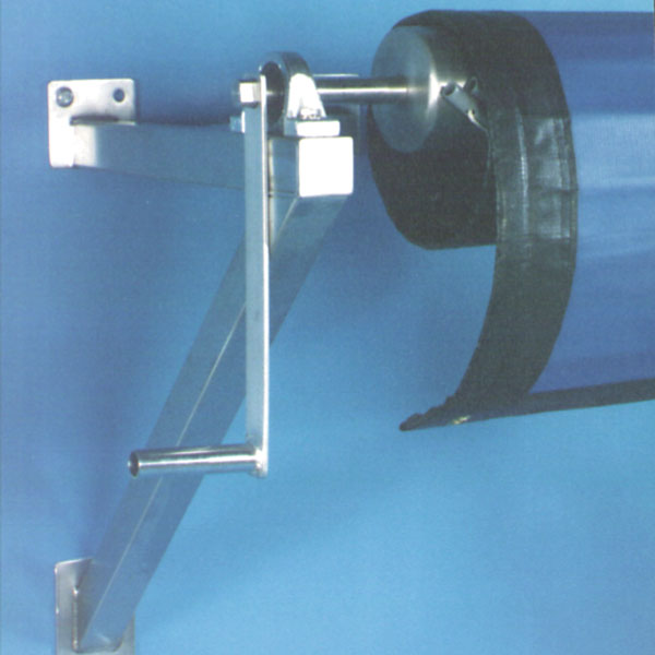 Blackfoot I – Wall Mount Pool Cover Storage Reel